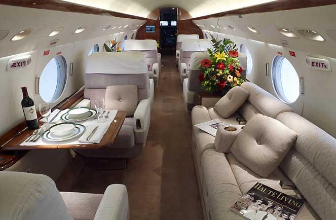 N132sd gulfstream g v in islip new york united states of for Gulfstream v bedroom