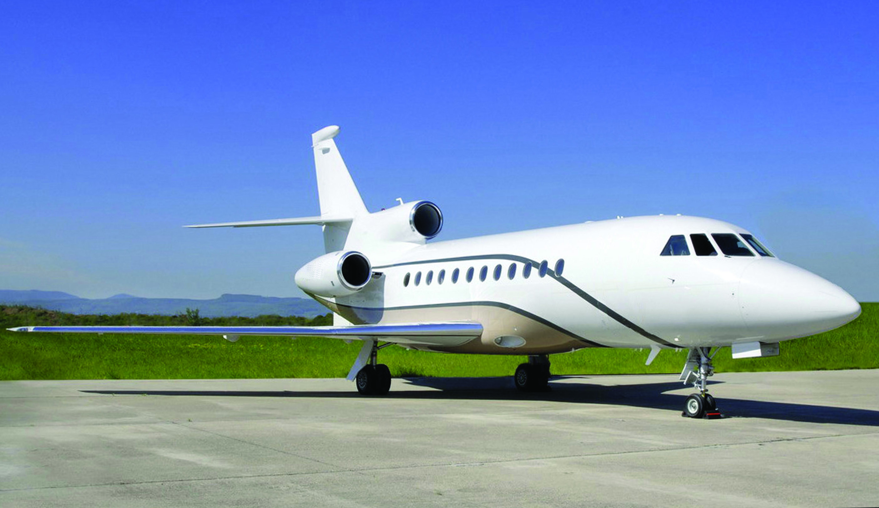 Picture-of-Falcon 900DX-Aircraft gallery