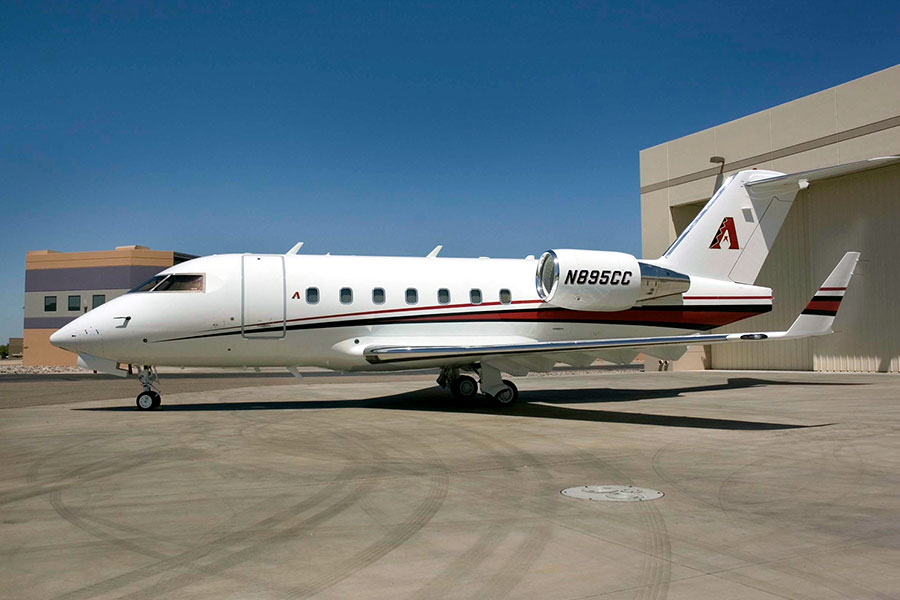 Picture-of-Challenger 601-3R-Aircraft gallery
