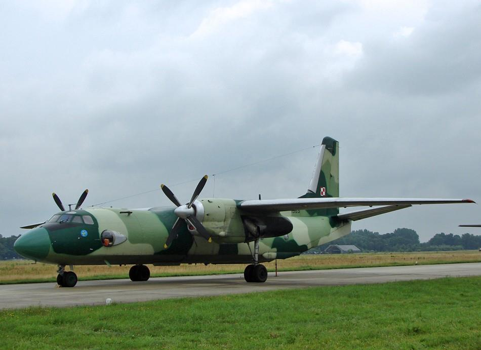 Picture-of-AN-26-Aircraft gallery