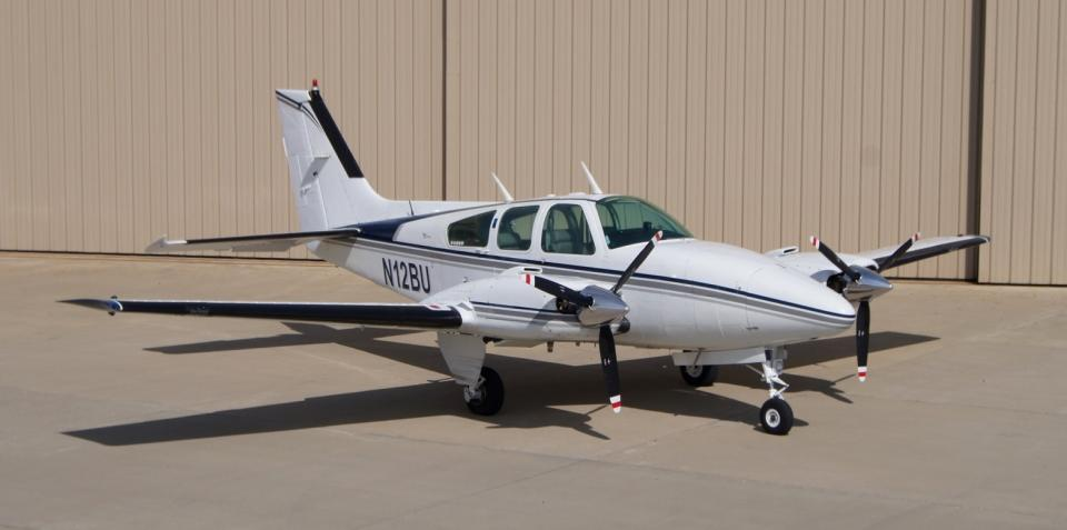 Picture-of-Beech Baron 55-Aircraft gallery