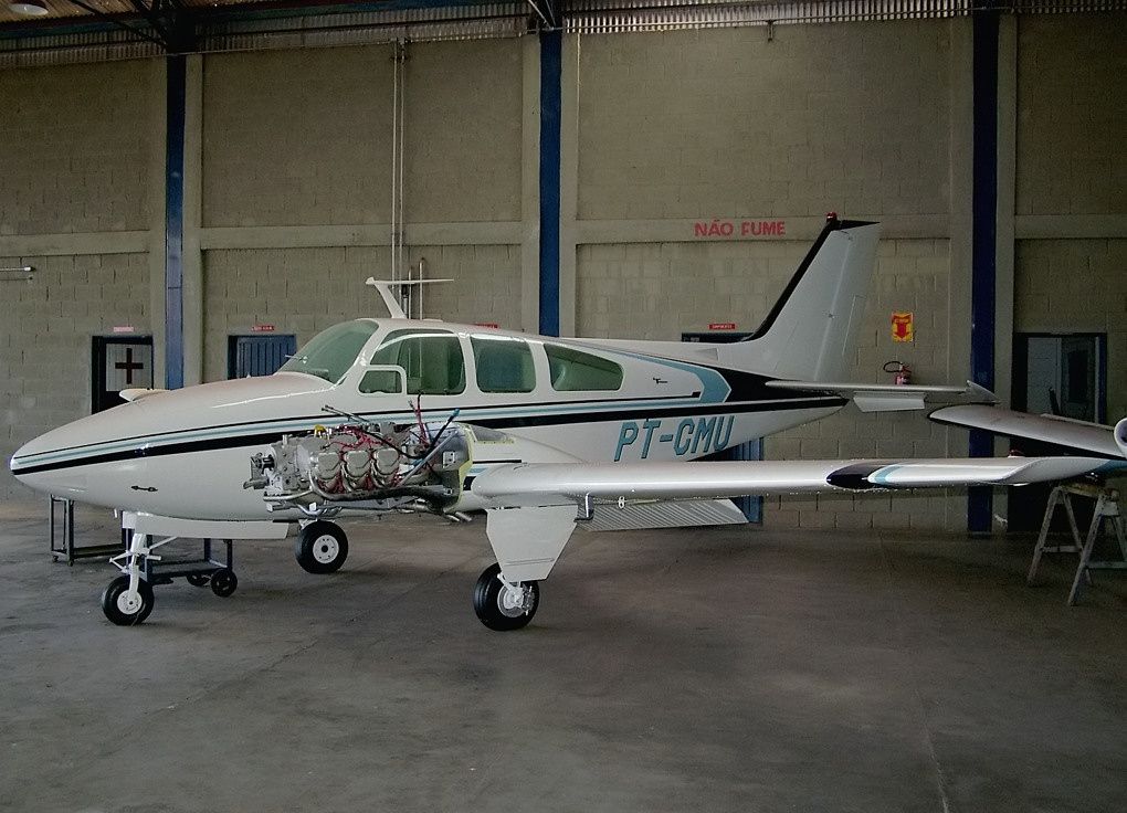 Picture-of-Beech Baron 95-B55-Aircraft gallery