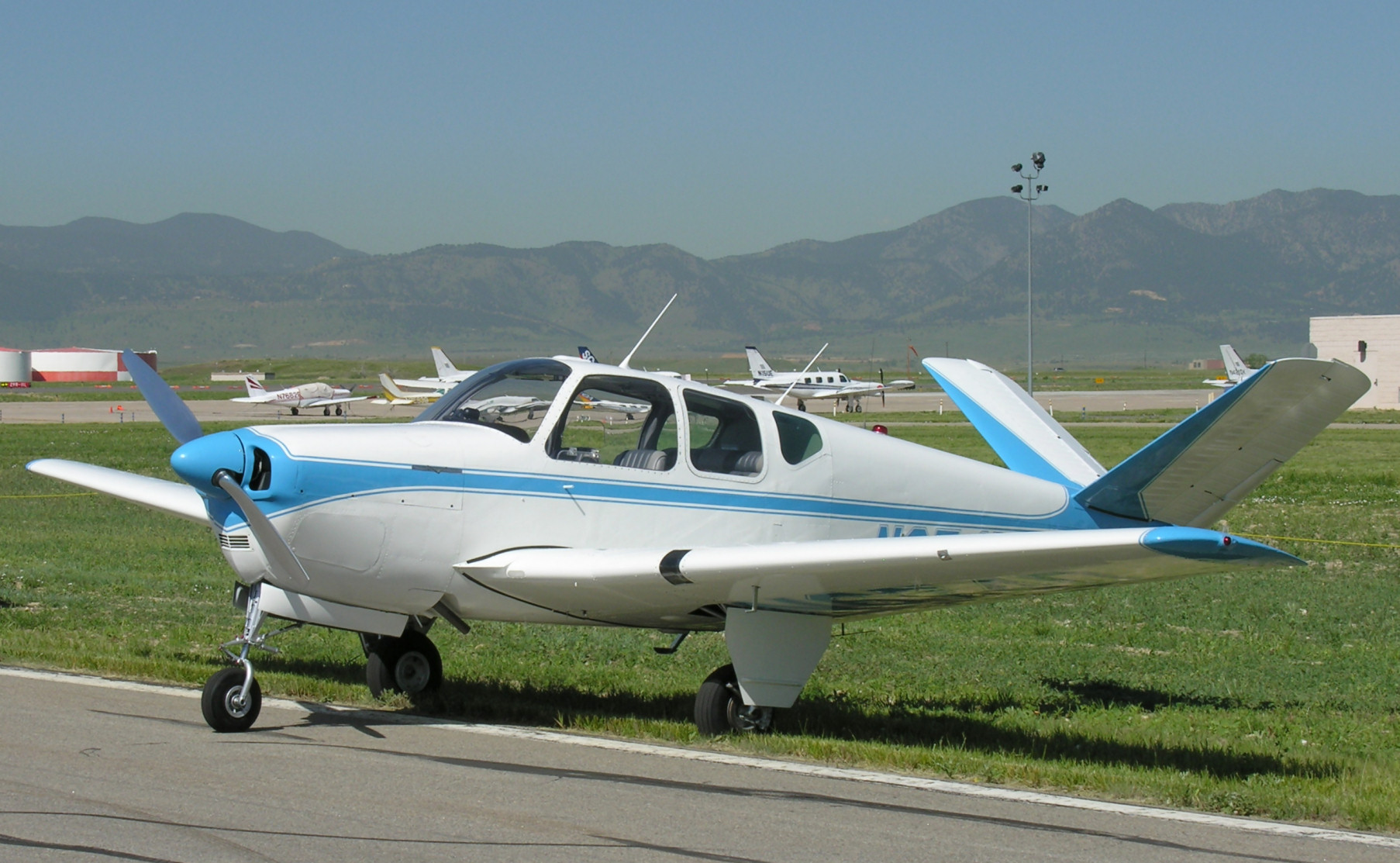 Picture-of-Beech Bonanza 35-Aircraft gallery