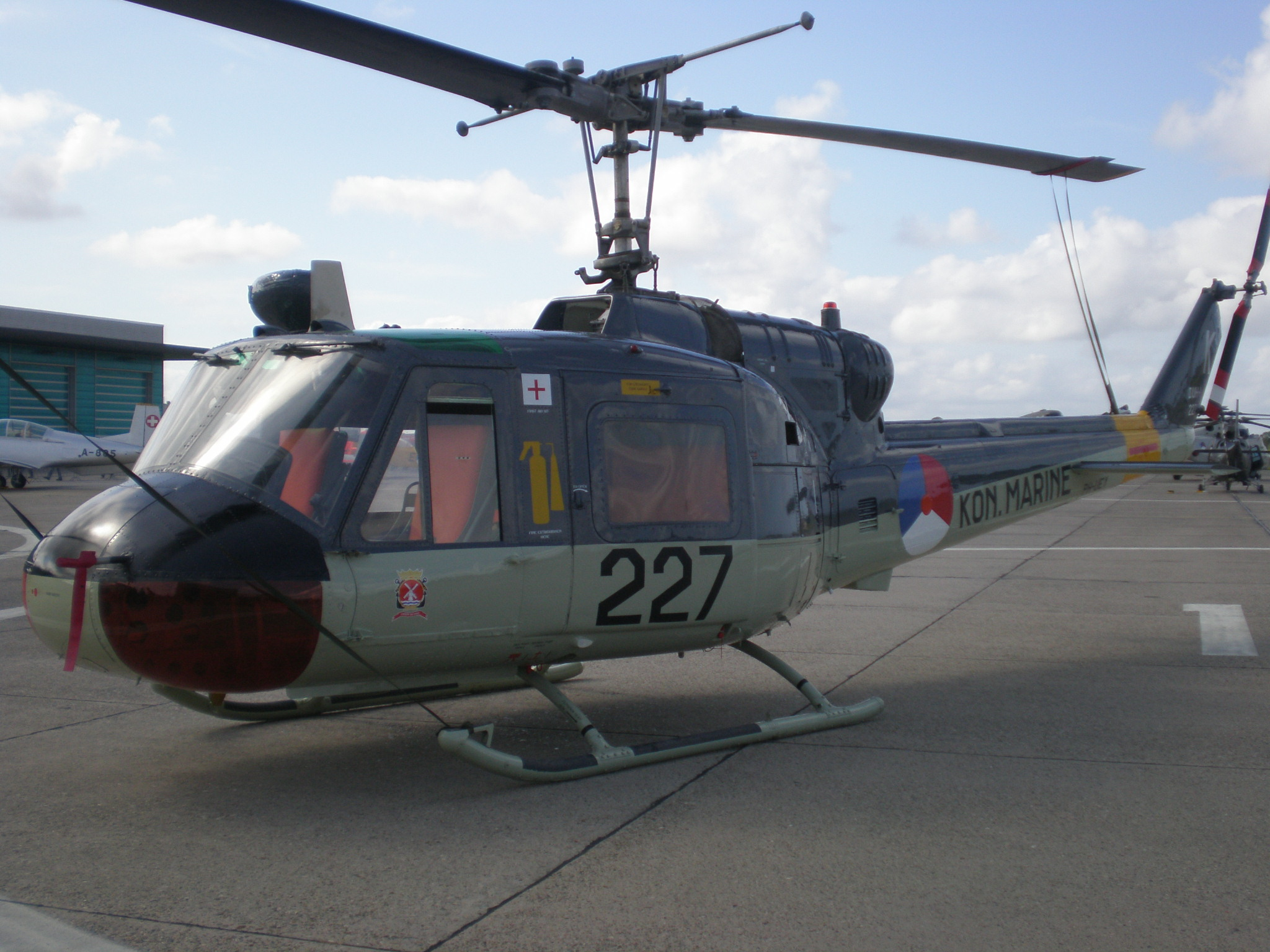 Picture-of-Bell 204B-Aircraft gallery