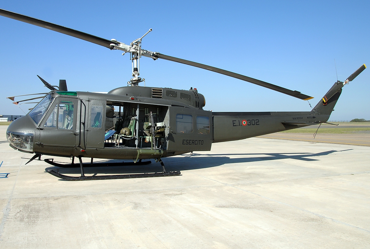 Picture-of-Bell 205A-Aircraft gallery