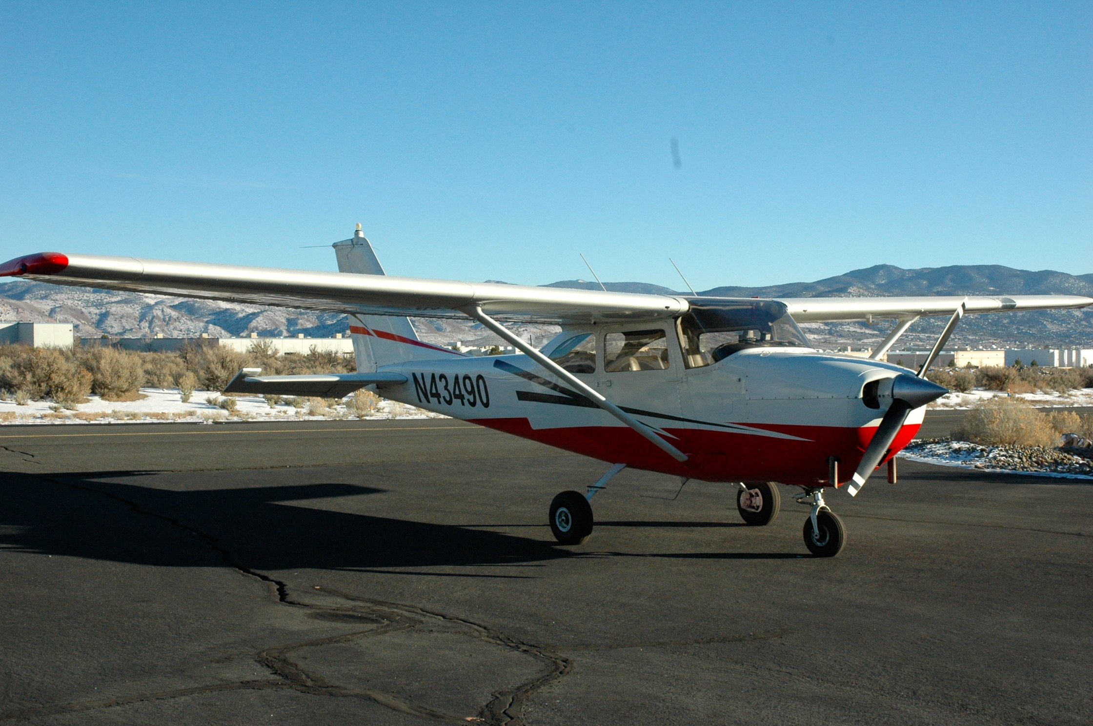 Picture-of-Cessna 172G Skyhawk-Aircraft gallery