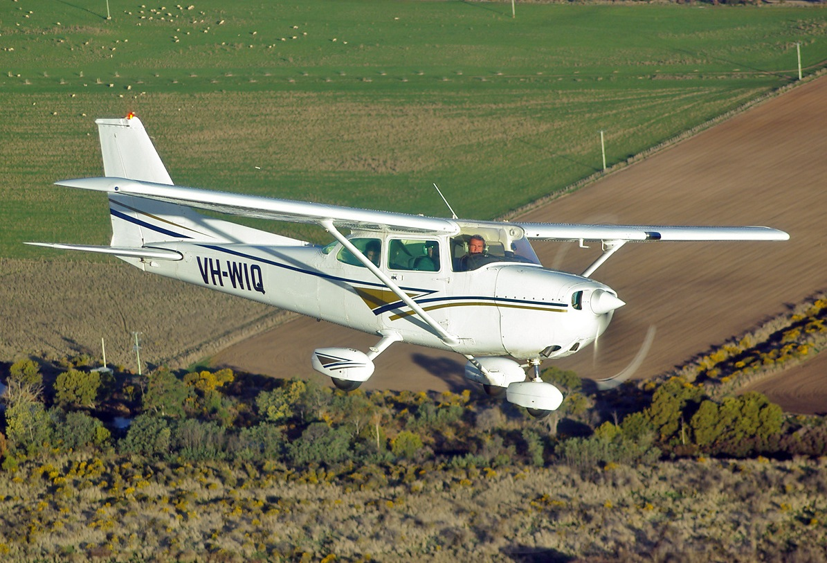 Picture-of-Cessna 172P Skyhawk P-Aircraft gallery