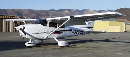 Picture-of-Cessna 172SP Skyhawk SP-Aircraft gallery