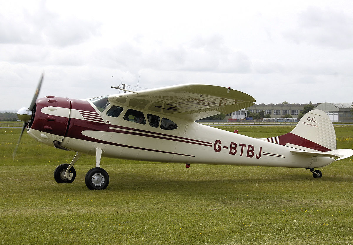 Picture-of-Cessna 195 Businessliner-Aircraft gallery