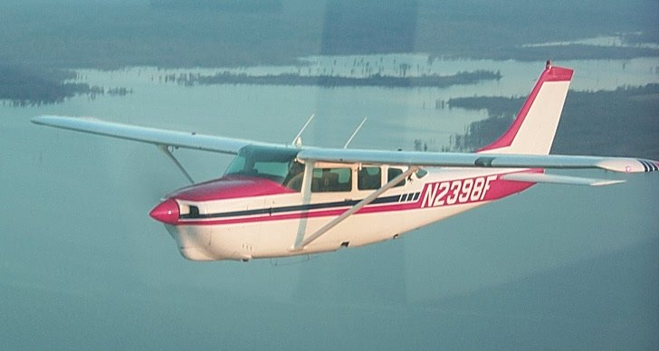 Picture-of-Cessna 210K Centurion-Aircraft gallery