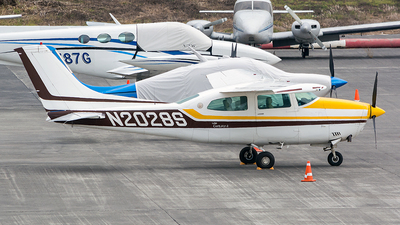 Picture-of-Cessna T210L Turbo Centurion-Aircraft gallery