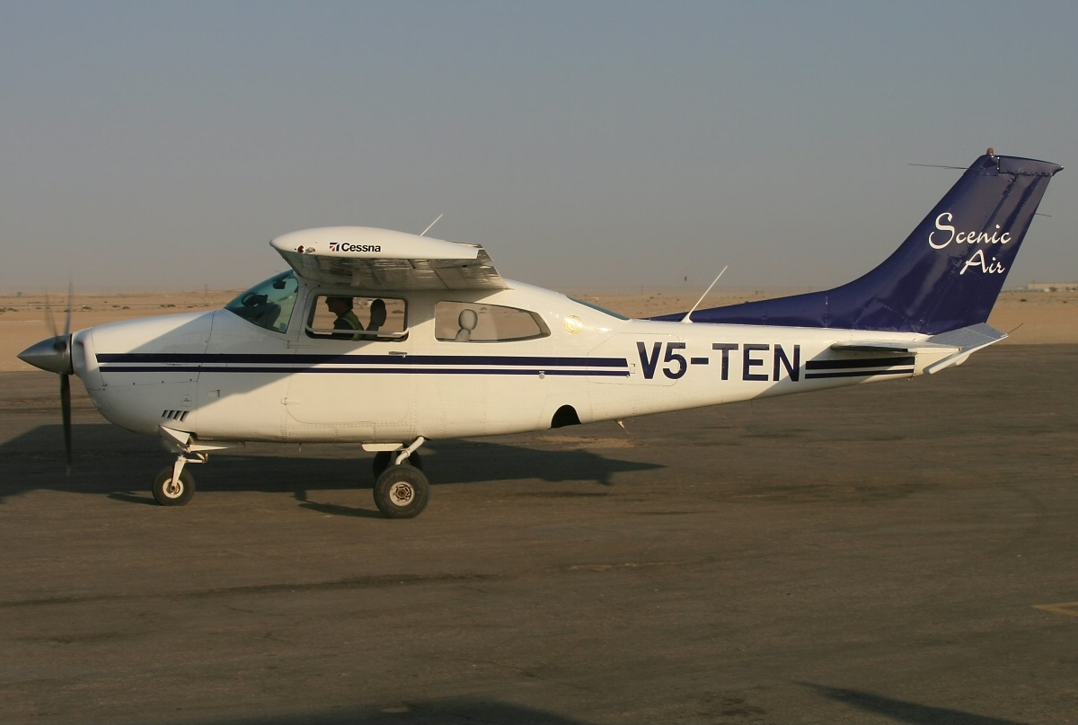 Picture-of-Cessna T210M Turbo Centurion-Aircraft gallery