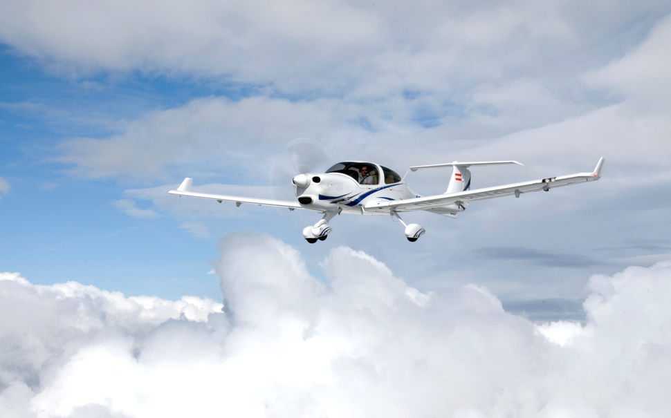 Picture-of-DA40 Diamond Star-Aircraft gallery