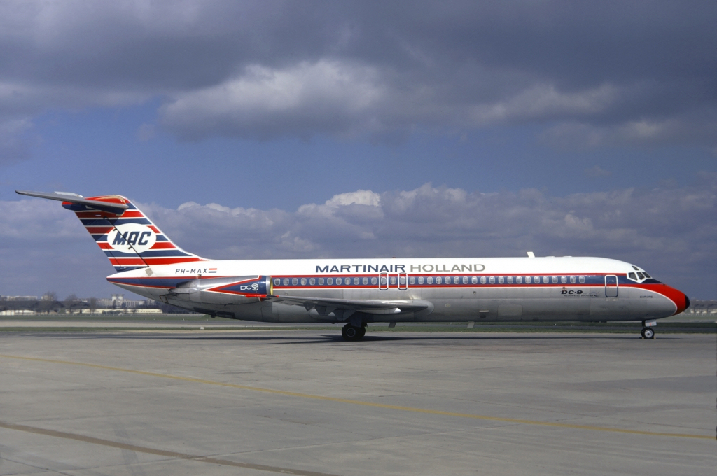 Picture-of-DC-9-30-Aircraft gallery