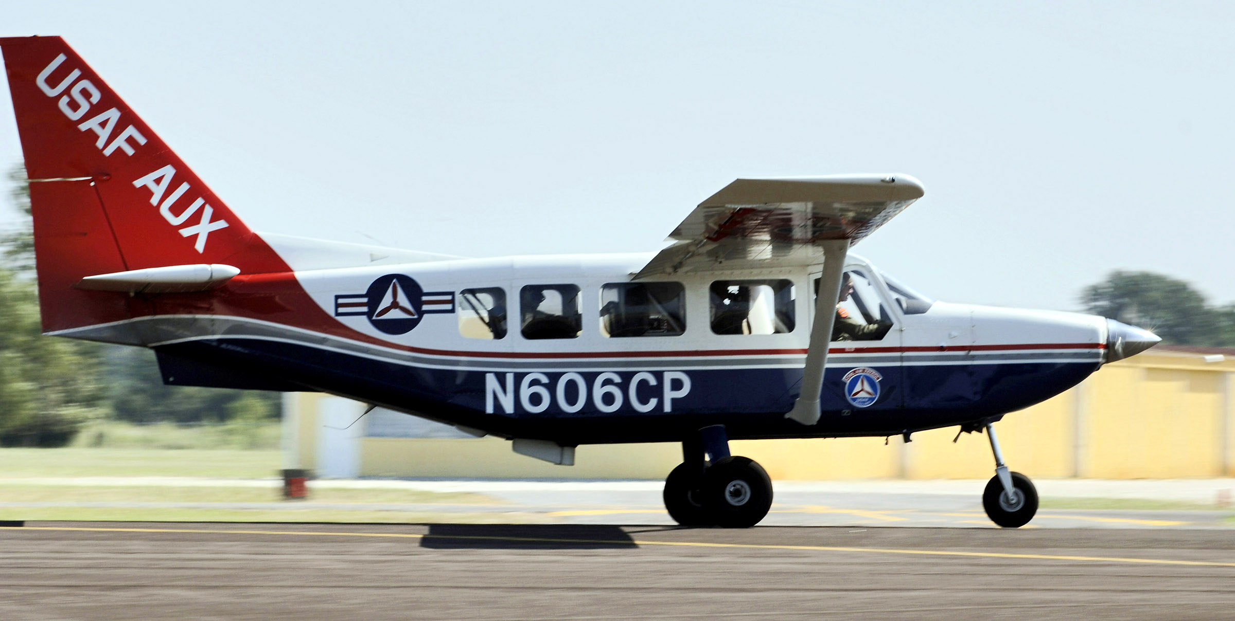 Picture-of-GA-8 Airvan-Aircraft gallery