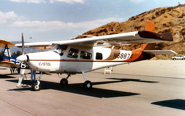 Picture-of-H-295 Courier-Aircraft gallery