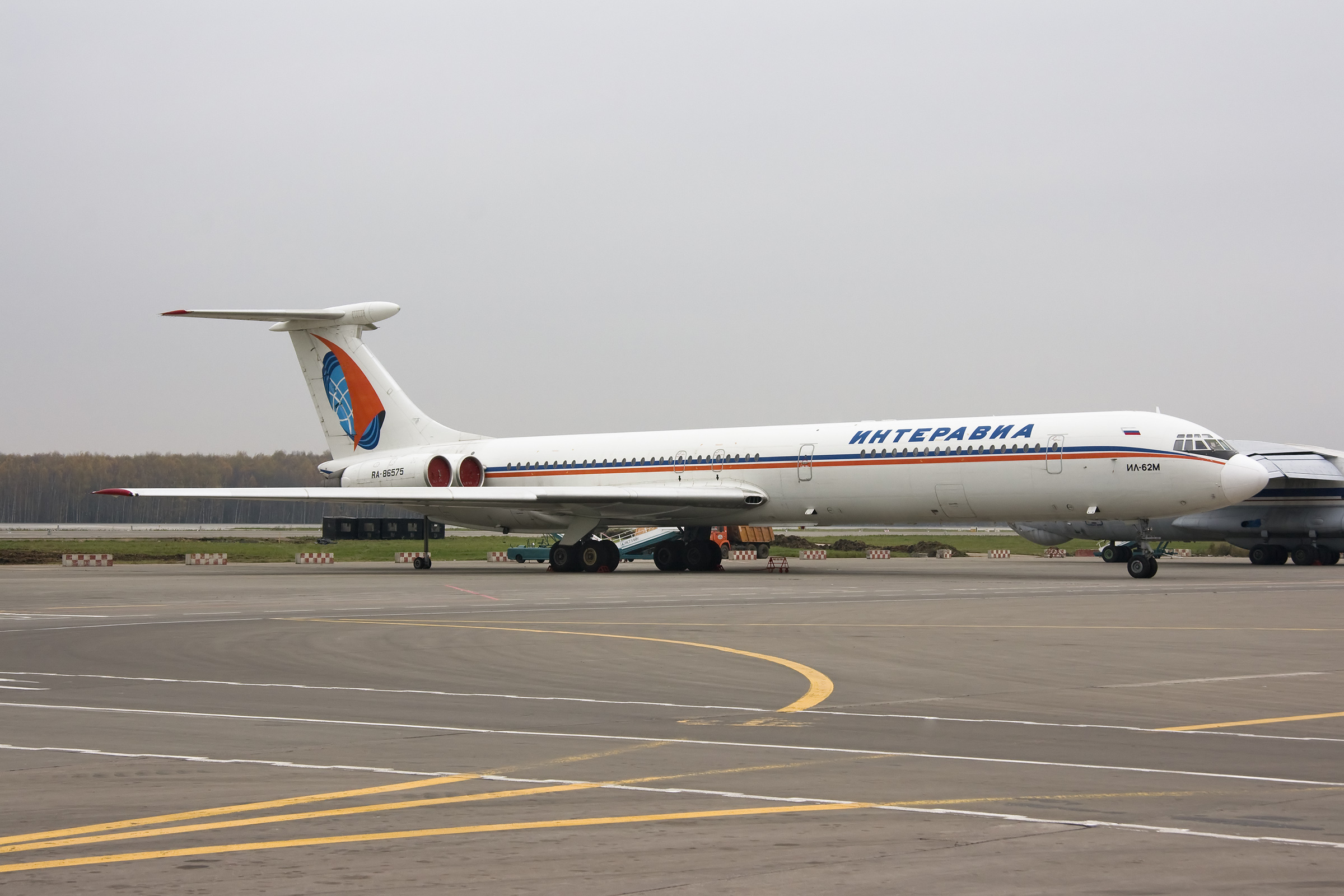 Picture-of-Ilyushin IL-62M-Aircraft gallery