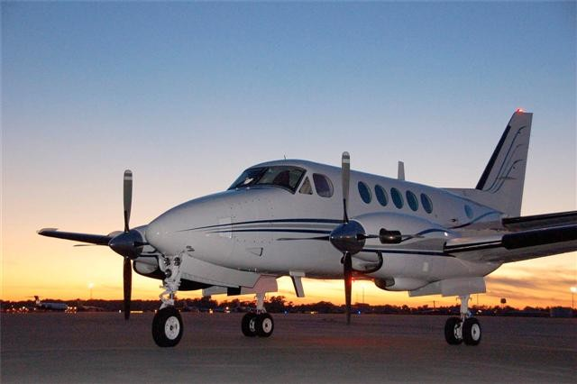 Picture-of-King Air A100-Aircraft gallery