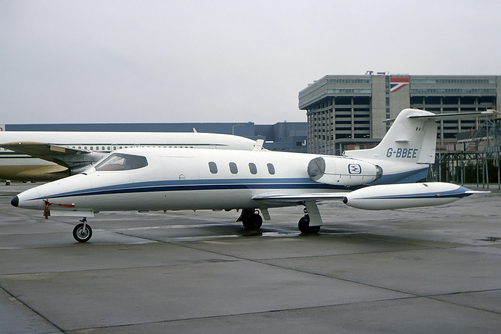 Picture-of-Learjet 25B-Aircraft gallery