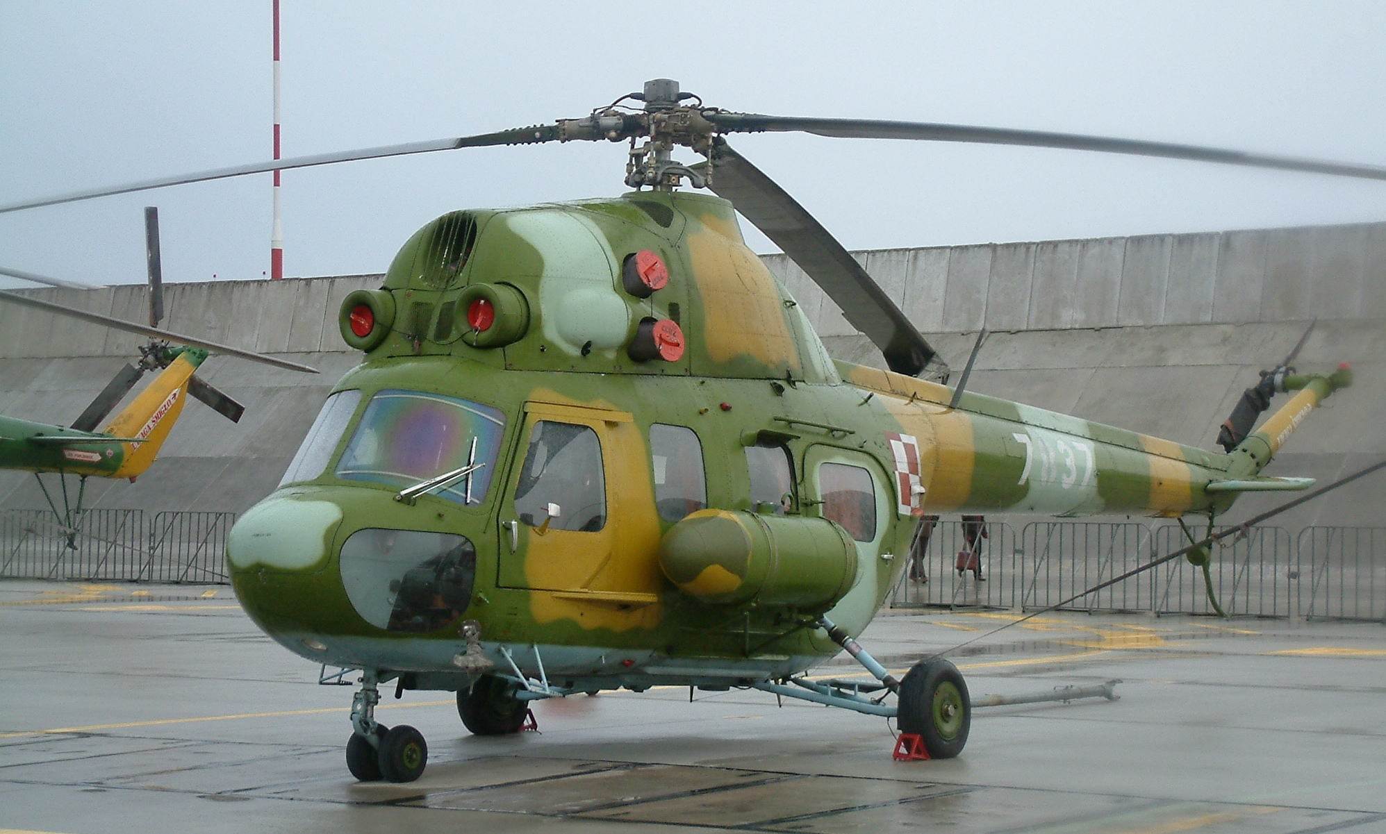 Picture-of-Mil Mi-2-Aircraft gallery