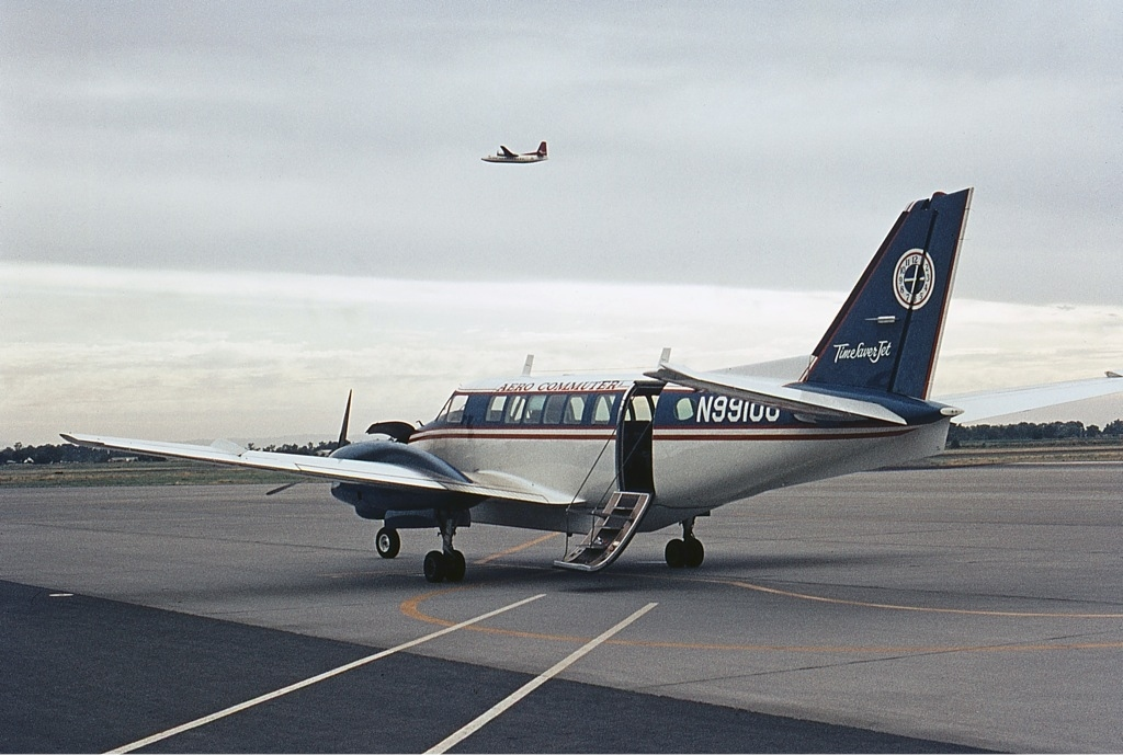 Picture-of-Model 99 Commuter-Aircraft gallery