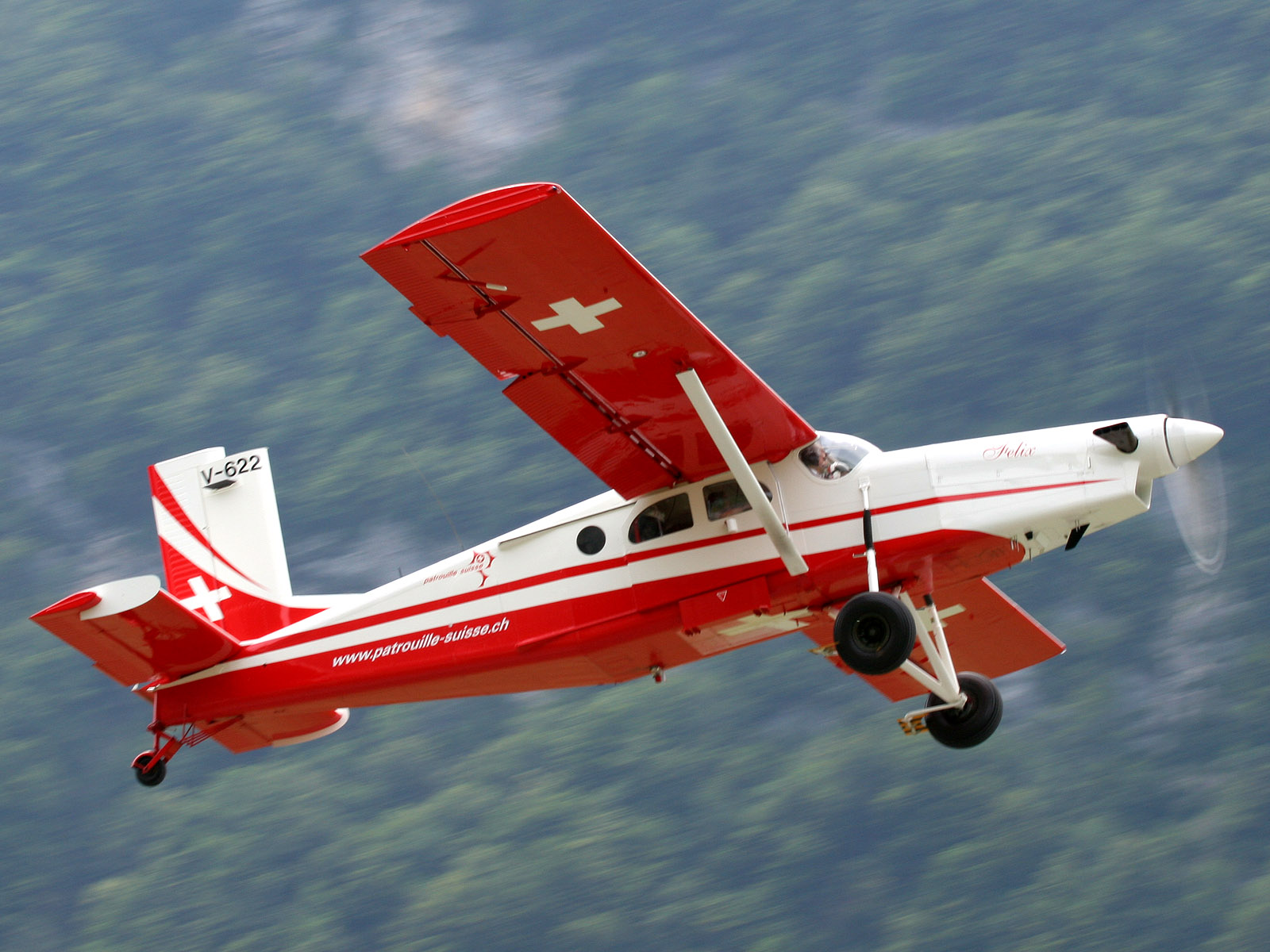 Picture-of-Pilatus PC-6 Porter-Aircraft gallery