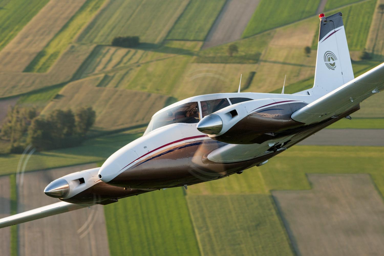 Picture-of-Piper PA-30 Twin Comanche-Aircraft gallery