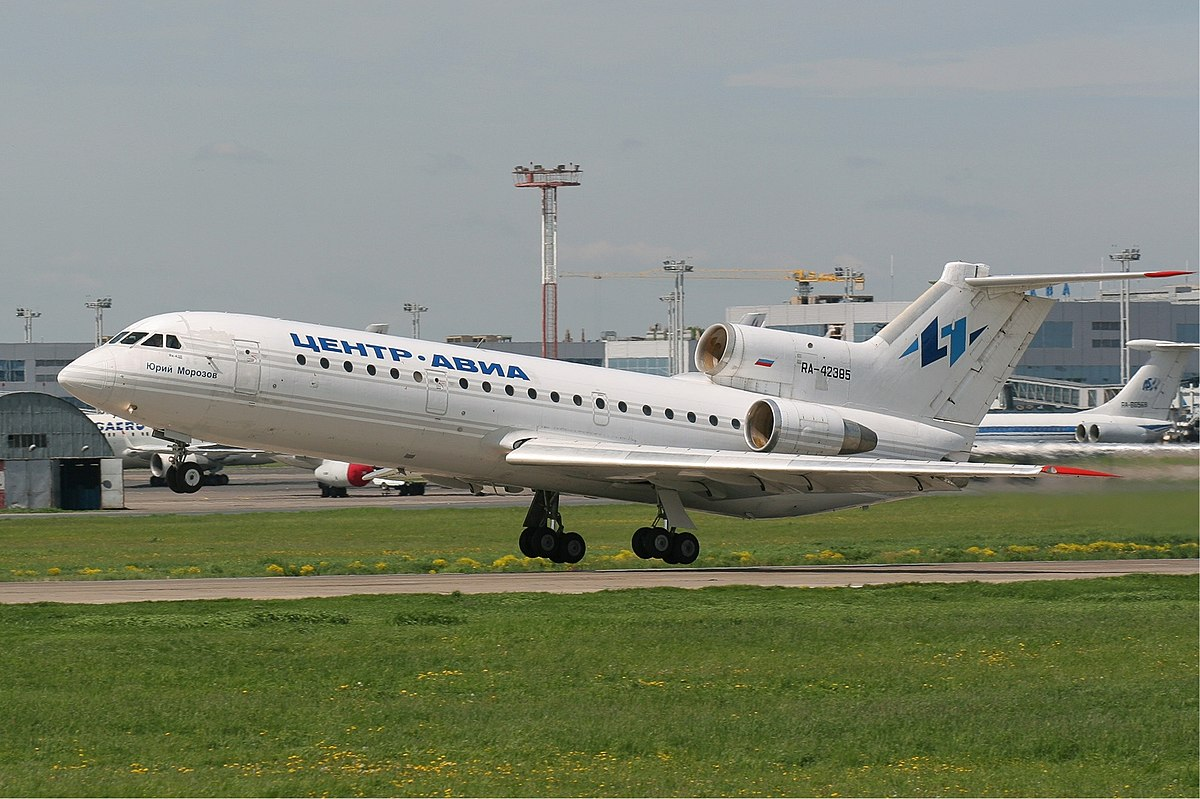 Picture-of-YAK-42-Aircraft gallery