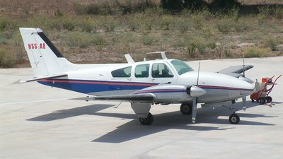 Picture-of-Beech Baron 95-C55-Aircraft gallery